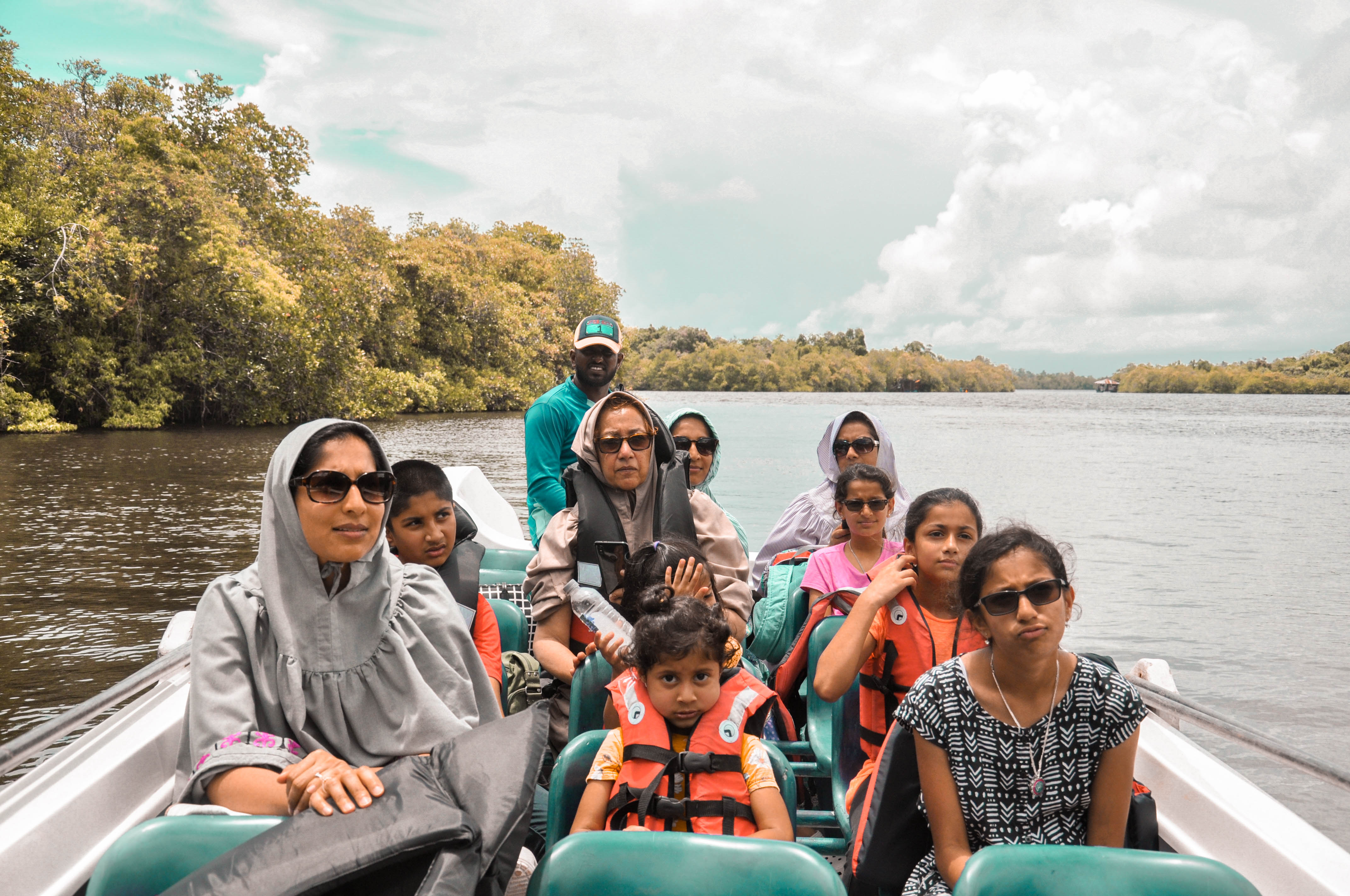 Galle City Tour, Madu River Safari and Kosgoda Turtle Hatchery from Colombo (Private Full Day Tour)
