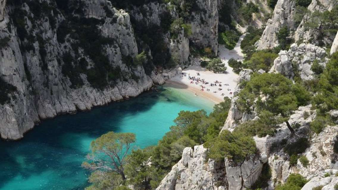 Cassis, Cliff & Calanques Private Half-Day Tour from Aix-en-Provence