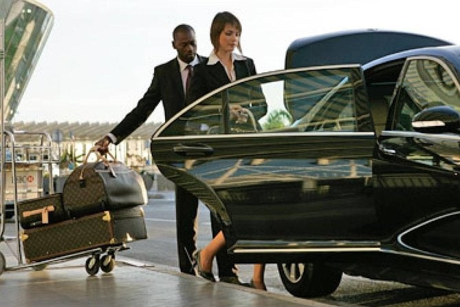 Low Cost Private Transfer From Los Angeles International Airport to Santa Ana City - One Way