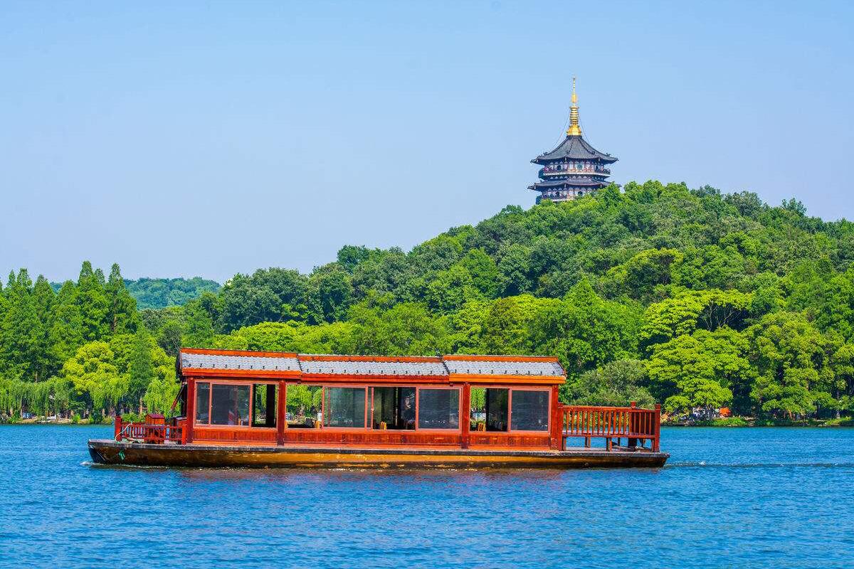 杭州西湖+雷峰塔+西湖遊船一日遊(西湖西溪·西湖靈隱·西湖烏鎮 3選1)