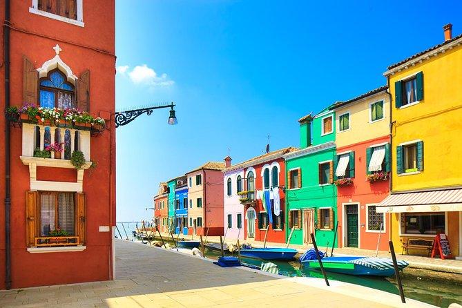 Venice islands boat tour: Murano, Burano and Torcello