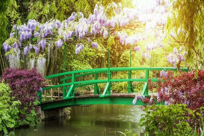 Giverny Monet's Garden and Auvers-sur-Oise with Van Gogh House Full Day Trip