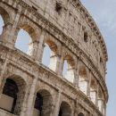 シーザーの宮殿、コロッセオ、フォロ・ロマーノとパラティーノの丘をめぐるVIPツアー