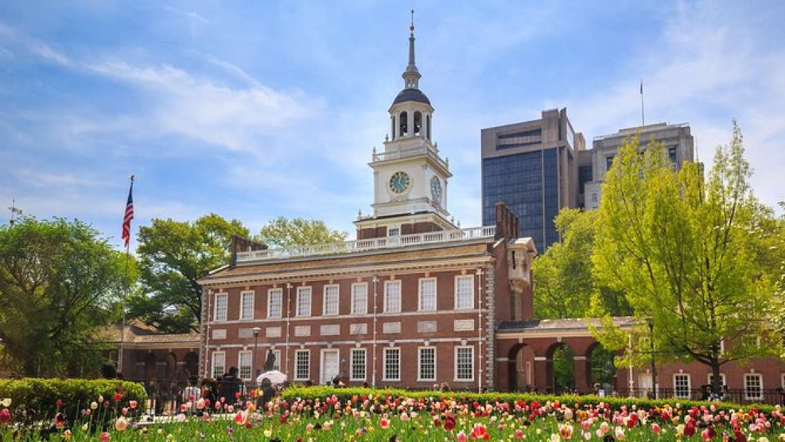 New York to Philadelphia Private Tour with Outlet Shopping
