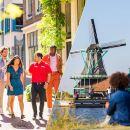 Combo: Zaanse Schans Windmills and Volendam Half-Day & Amsterdam Walking Tour