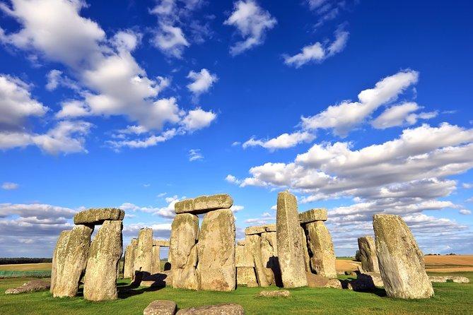 Windsor Castle, Stonehenge, Lacock and City of Bath Tour