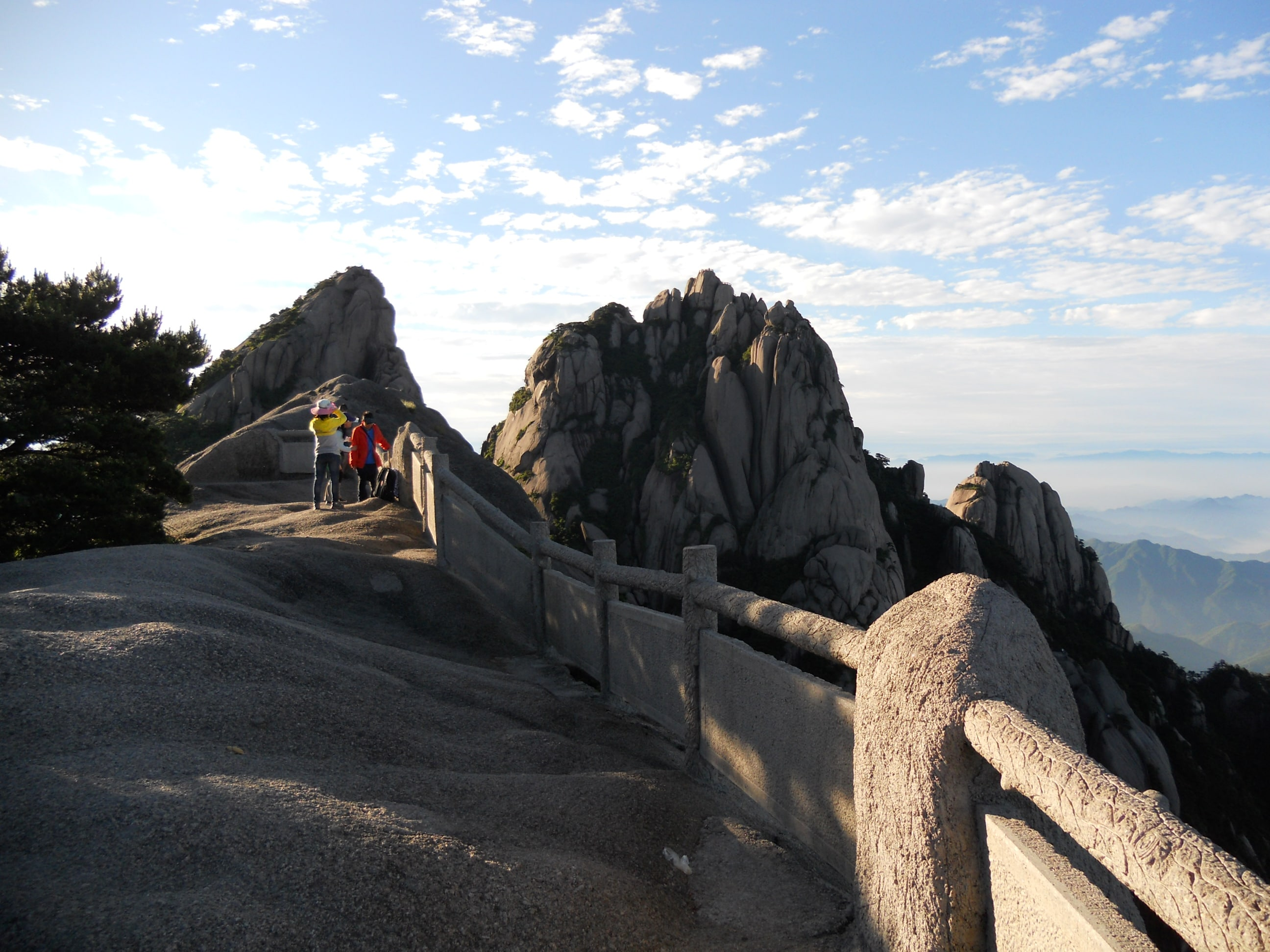 Private One Day Huangshan (Yellow Mountain) Highlights Tour