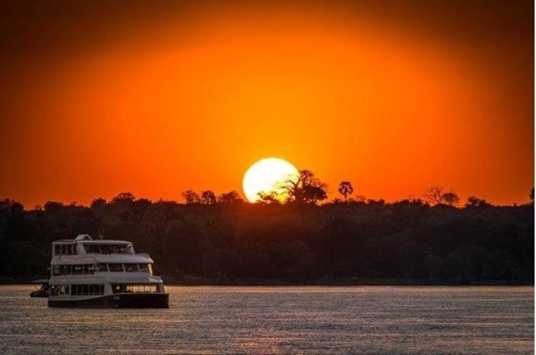 津巴布韋維多利亞瀑布+贊比西河遊船半日遊