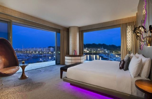 Get in the Mood for Love with 5 Romantic Staycation Getaway for Couples in Singapore