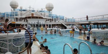 海王星的珊瑚礁石游泳池