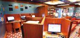 网络游憩室及图书馆 Internet Point and Library