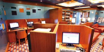 网络游憩室及图书馆