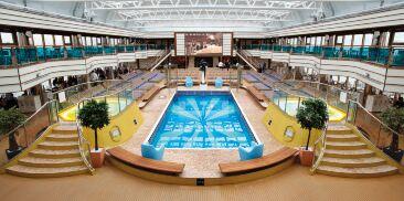木兰游泳池