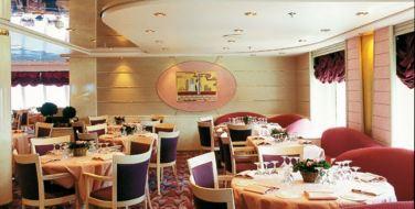 L' Approdo主餐厅