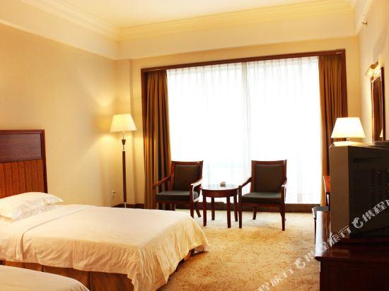 東莞石龍名冠金凱悅酒店(Gladden Hotel (Shilong Town))高級雙人房