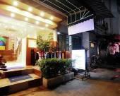 OYO 447 華欣皇家快捷酒店