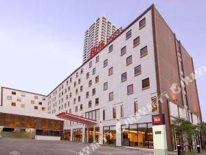 曼谷素坤逸4號宜必思酒店