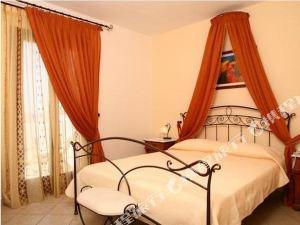 納克索斯島海灘度假酒店(Naxos Resort Beach Hotel)