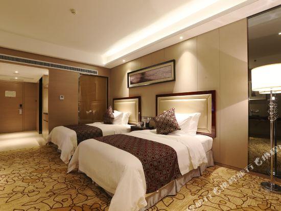 碧桂園空港鳳凰酒店(廣州新白云機場店)高級雙床房