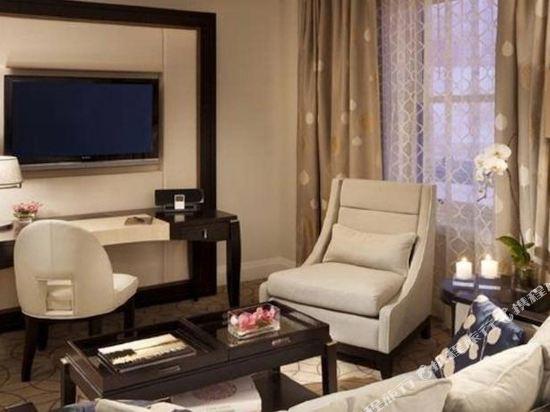 温哥華瑰麗酒店(Rosewood Hotel Georgia)CghzfVTUoxSANYsvAADH_SmJfDo038