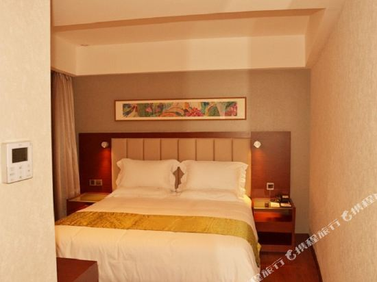 深圳華強北和頤酒店和頤惠選大床房