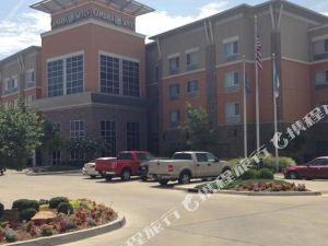 俄克拉何馬城機場希爾頓逸林酒店(DoubleTree by Hilton Hotel Oklahoma City Airport)