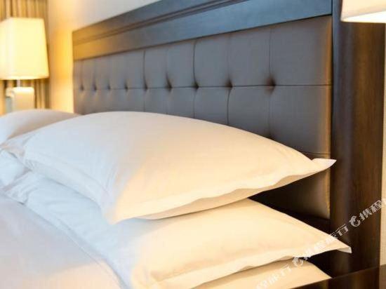 温哥華喜來登華爾中心酒店(Sheraton Vancouver Wall Centre)俱樂部特大號床間