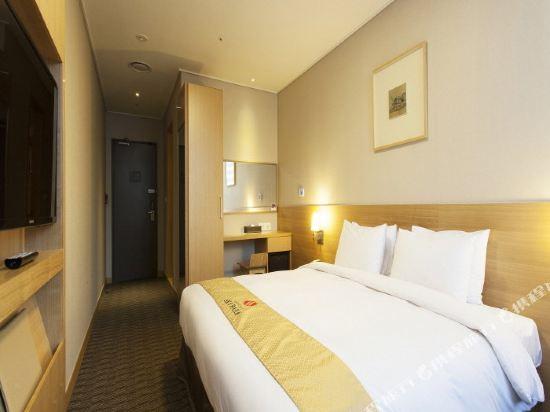 首爾天空花園酒店明洞中心店(Hotel Skypark Central Myeongdong Seoul)標準大床房