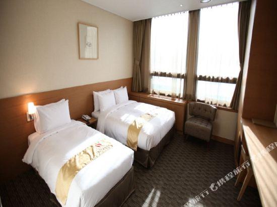 首爾天空花園酒店明洞中心店(Hotel Skypark Central Myeongdong Seoul)豪華雙床房
