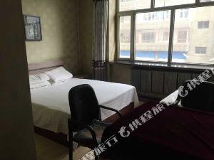 嫩江佰彤旅館