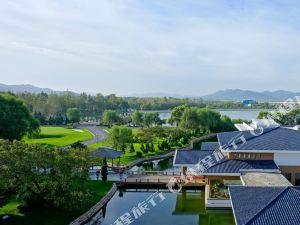 瓦房店銘湖國際溫泉滑雪度假村酒店