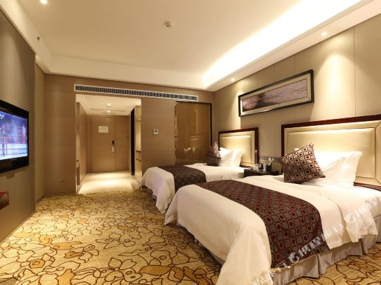 碧桂園空港鳳凰酒店(廣州新白云機場店)豪華園景雙床房