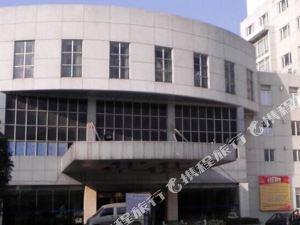 句容京華桂冠國際酒店