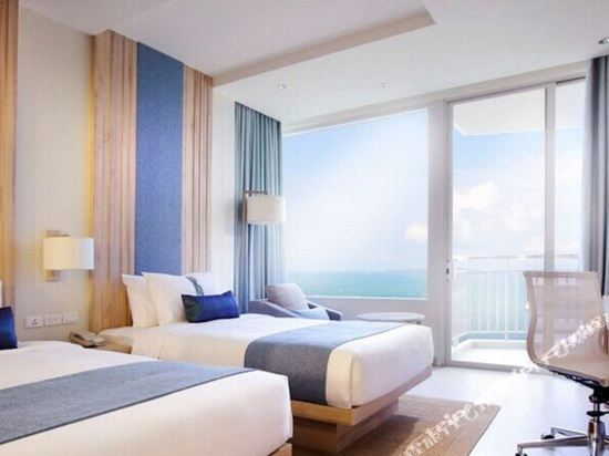 芭堤雅假日酒店(Holiday Inn Pattaya)海景高級房