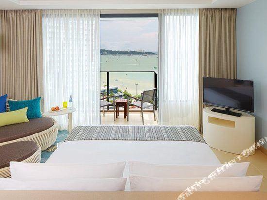 芭堤雅假日酒店(Holiday Inn Pattaya)芭提雅海灣全景房