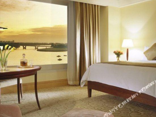 新加坡富麗敦酒店(The Fullerton Hotel Singapore)豪華套房
