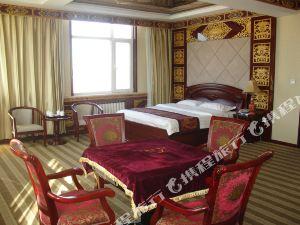 貴德格桑諾布廊商務酒店