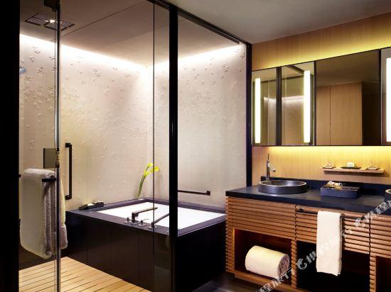 京都麗思卡爾頓酒店(The Ritz-Carlton Kyoto)Suite KAMOGAWA, 1 Bedroom Larger Suite, 1 King or 2 Double (Display)