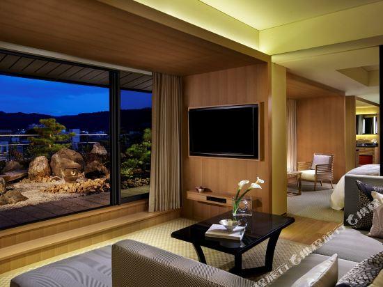 京都麗思卡爾頓酒店(The Ritz-Carlton Kyoto)Garden Terrace Suite, 1 Bedroom Junior Suite, 1 King (Display)