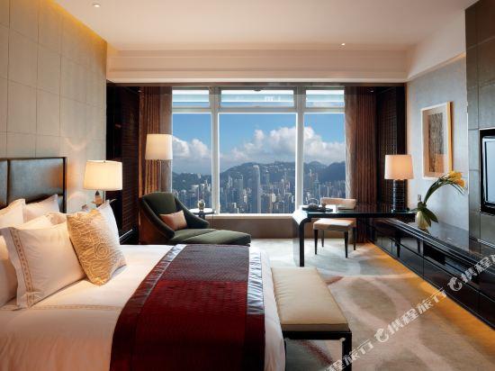 香港麗思卡爾頓酒店(The Ritz-Carlton Hong Kong)豪華維港海景客房