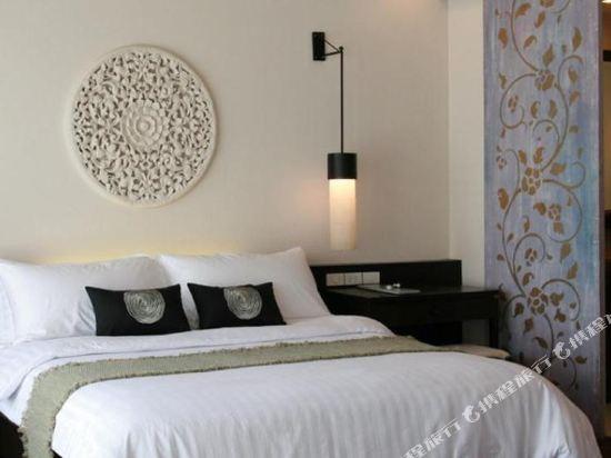 華欣莫維皮克阿薩拉水療及度假酒店(Mövenpick Asara Resort & Spa Hua Hin)假日套房