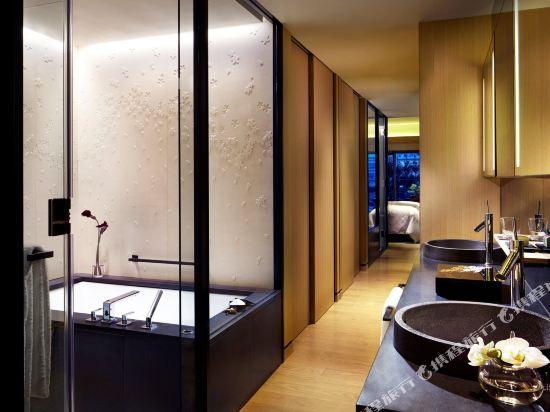 京都麗思卡爾頓酒店(The Ritz-Carlton Kyoto)Luxury KAMOGAWA, Guest room, 1 King or 2 Double, River view (Display)