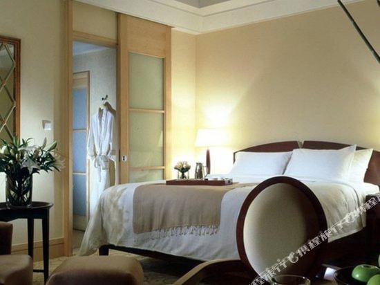 新加坡富麗敦酒店(The Fullerton Hotel Singapore)院景套房