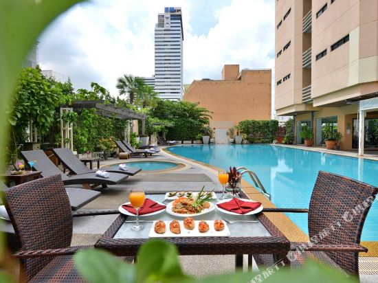 曼谷璀璨服務公寓酒店(Abloom Exclusive Serviced Apartment Bangkok)室外游泳池