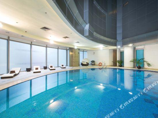 香港尖沙咀皇悅酒店(Empire Hotel Kowloon-Tsim Sha Tsui)室內游泳池