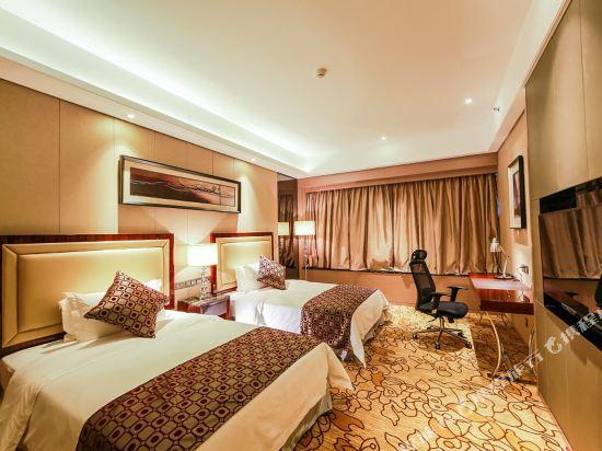 碧桂園空港鳳凰酒店(廣州新白云機場店)行政雙床房