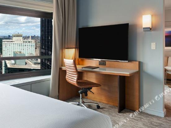 紐約市中心希爾頓酒店(New York Hilton Midtown)行政樓層一大床套房