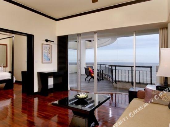 華欣希爾頓温泉度假酒店(Hilton Hua Hin Resort & Spa)海景精緻特大床套房