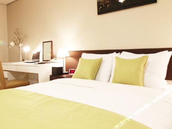 首爾東大門華美達安可酒店(Ramada Encore by Wyndham Seoul Dongdaemun)標準大床房