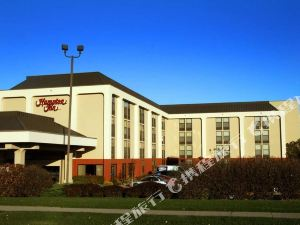 德梅因機場歡朋酒店(Hampton Inn des Moines Airport)